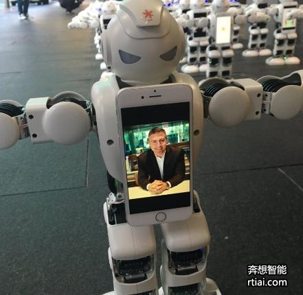 智能机器人替你排队买 iphone7 :主人可远程即时监控-广州奔想智能科技有限公司