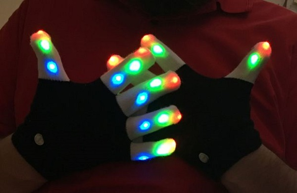 Chnano RGB LED 手套为冬天增添色彩-广州奔想智能科技有限公司